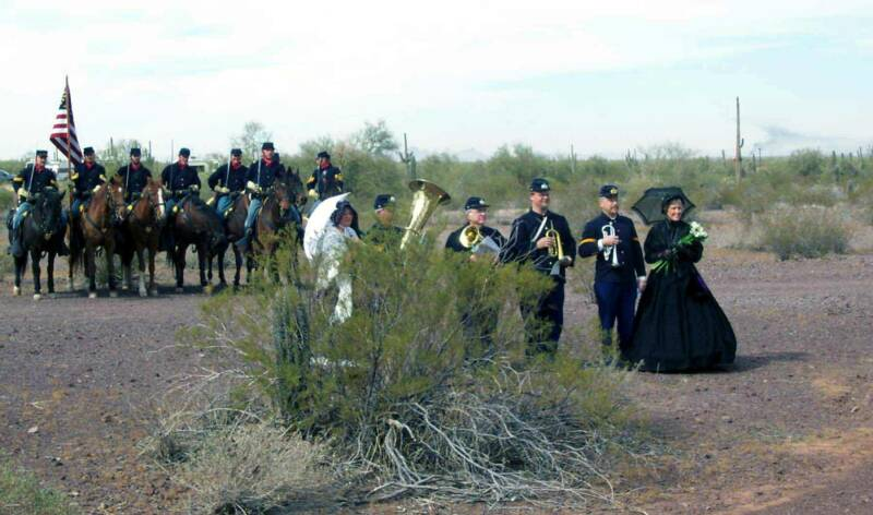 waiting for cannonade honoring Ray at Picacho Peak 3/10/07 (photo by D Lewis)